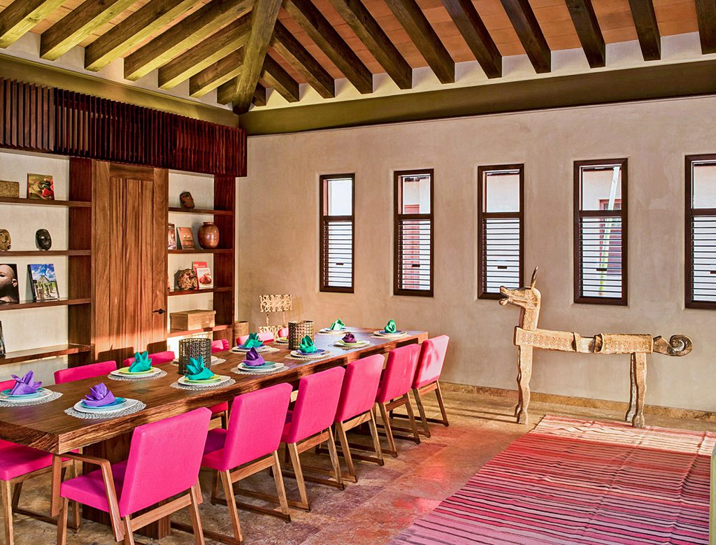 PIC BY LUXURY RETREATS / CATERS NEWS - (PICTURED:Casa Majani dinning room ) Gwyneth Paltrows gorgeous holiday villa is available to rent for jaw-dropping ,300 (3,720) a NIGHT. The Hollywood star and her boyfriend Brad Falchuck took her kids, Apple and Moses, to the luxury resort in Punta Mita, Mexico, last weekend. Casa Majani, a six-bed adobe on the beachfront, boasts two infinity pools and alfresco dining. The pad also has its own yoga and fitness centre, as well as a home theatre and a private chef. SEE CATERS COPY