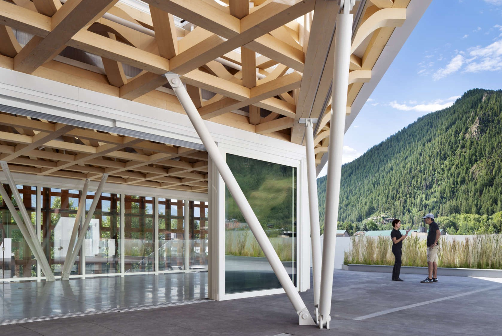 Architecture of pritzker prize winner shigeru ban for Architects creative christchurch