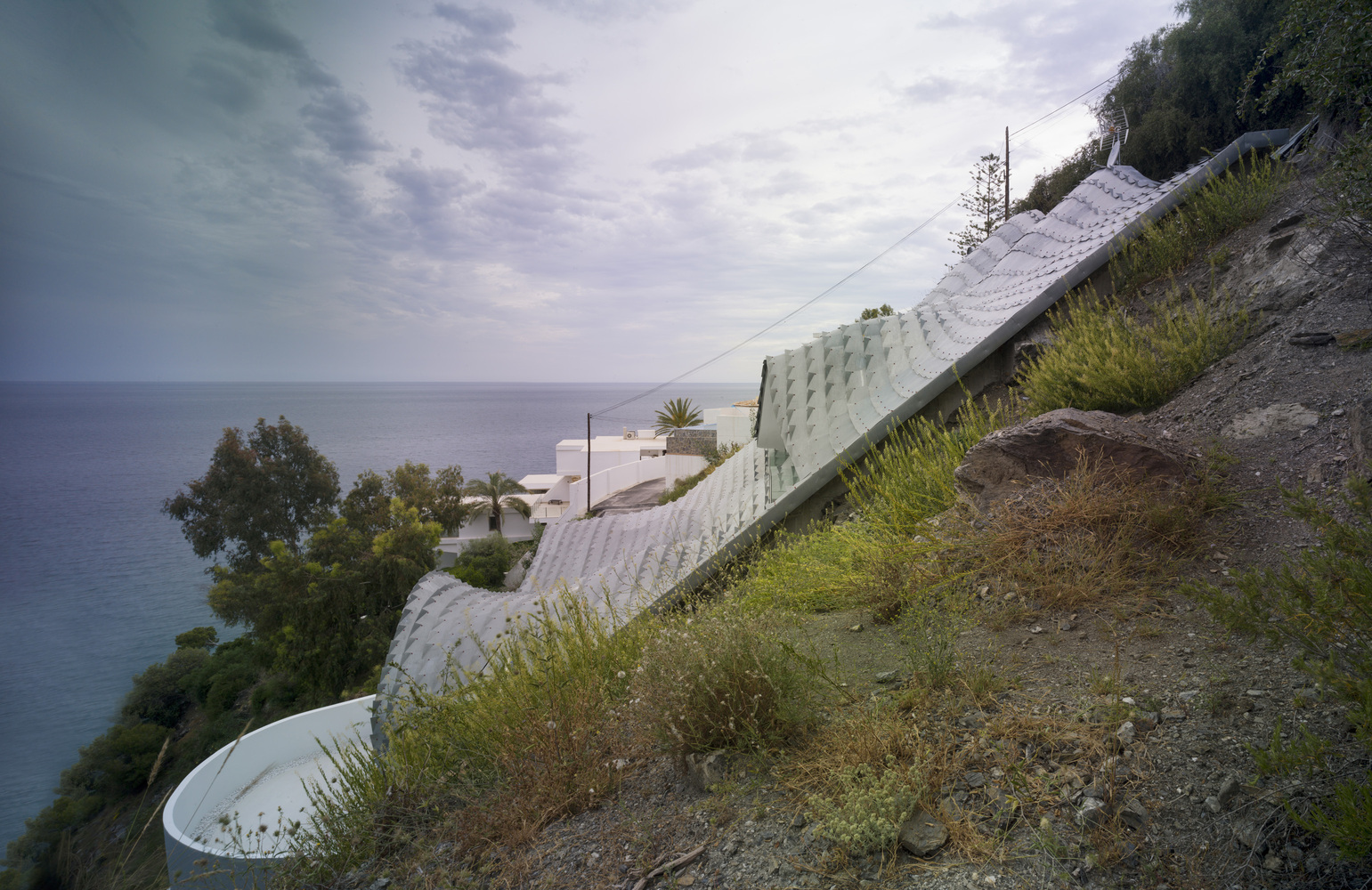 GilBartolome_-_house_on_the_Cliff_4