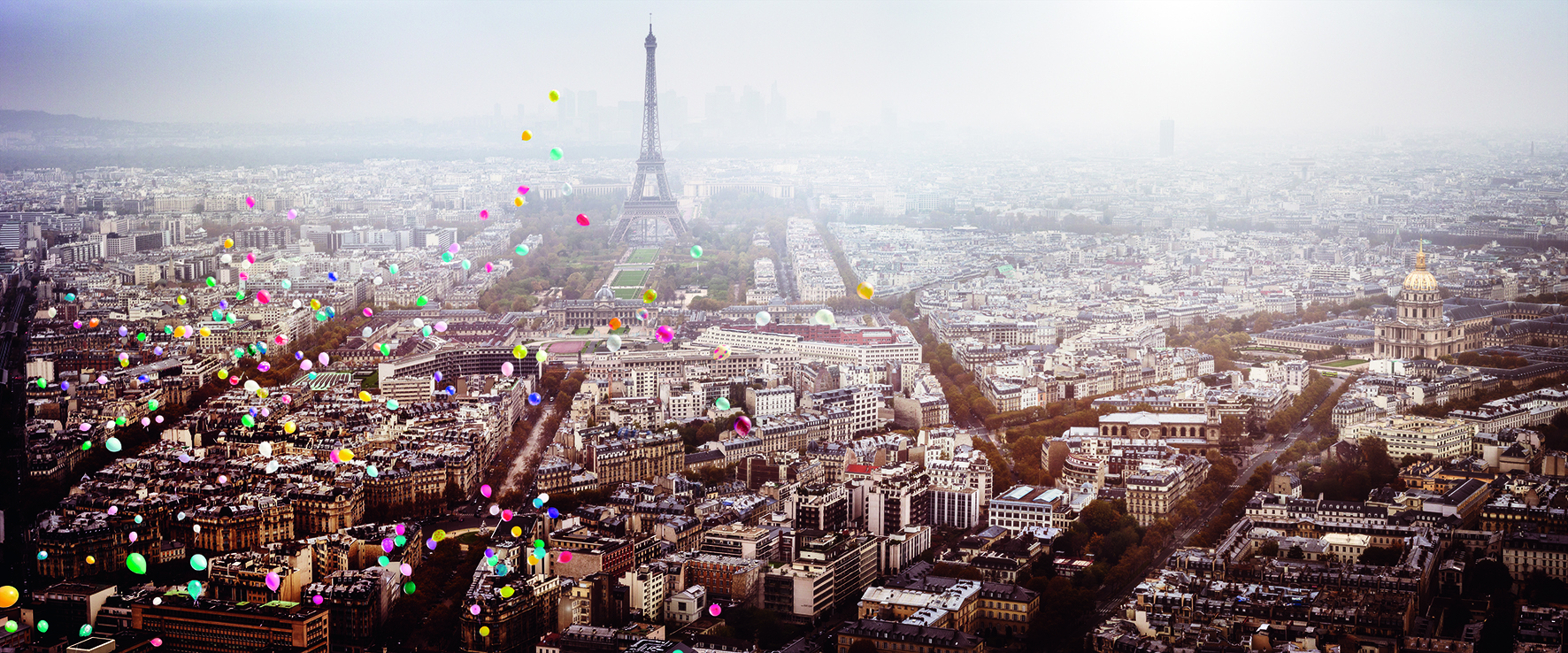 """Balloons over Paris"" (David Drebin/teNeues)"