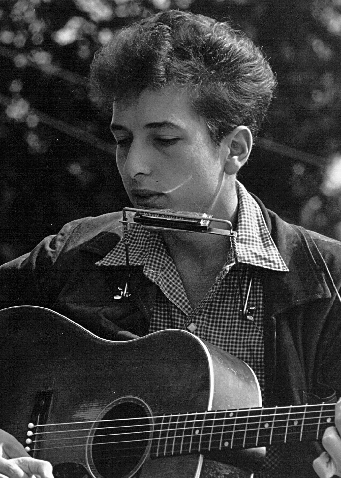 biography of the literary works of dylan Bob dylan's nobel prize win and the ensuing debate as to whether a musician should have been considered is a striking comment on the seemingly glib question of what literature actually is.