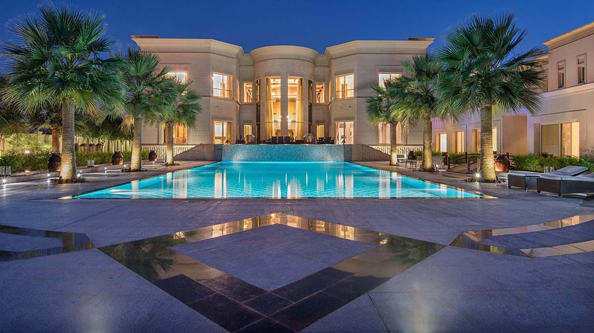 Luxe Dubai Mansion Overlooking Championship Golf Course