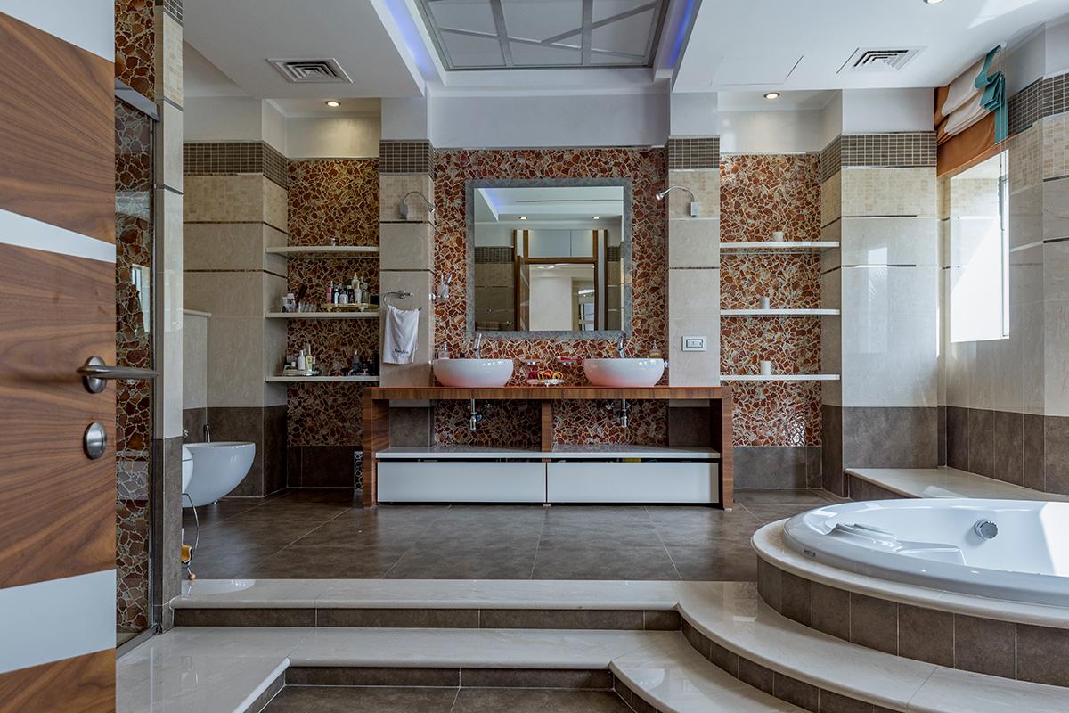 Emirates Hills Mansion