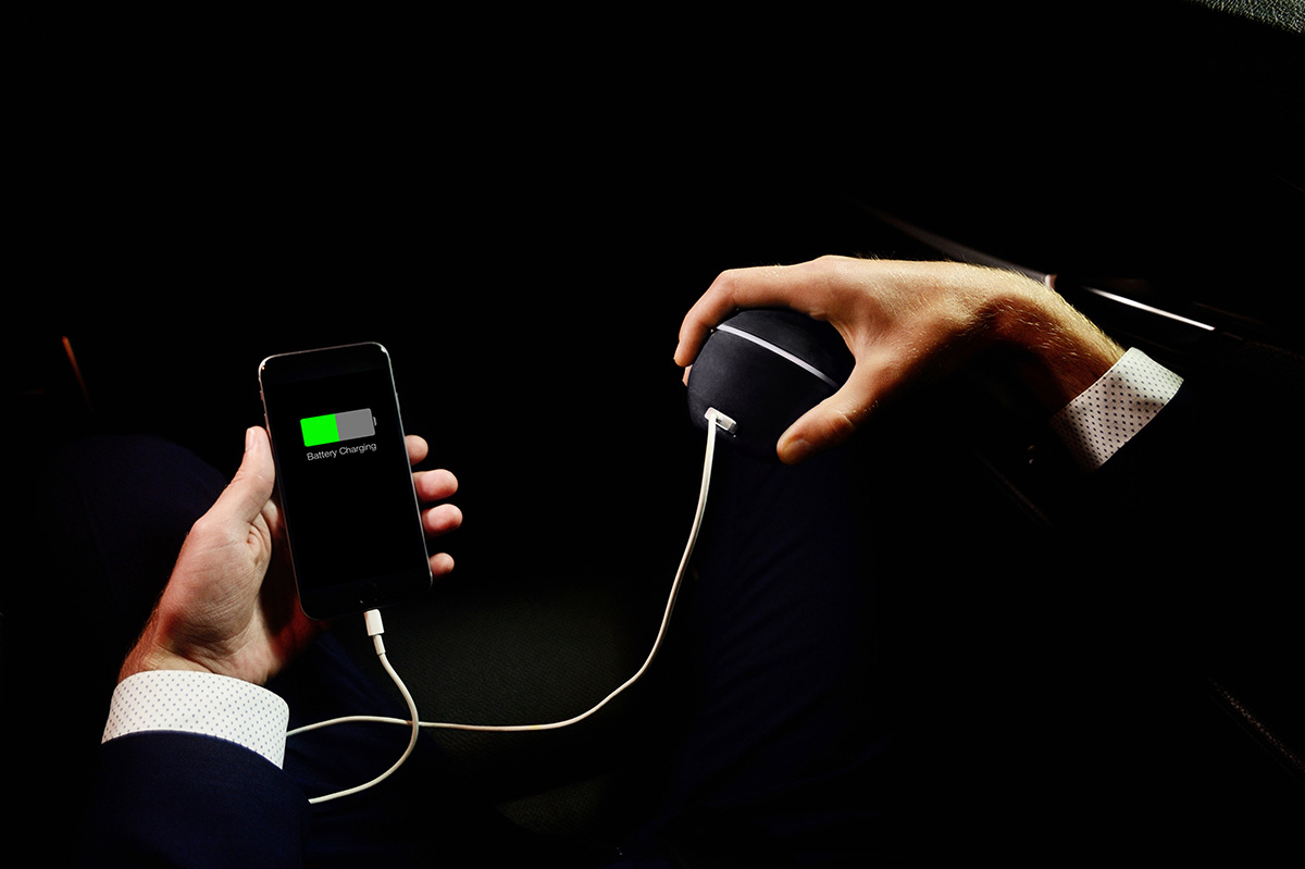 Charge Your Smartphone With the Power of Your Hand