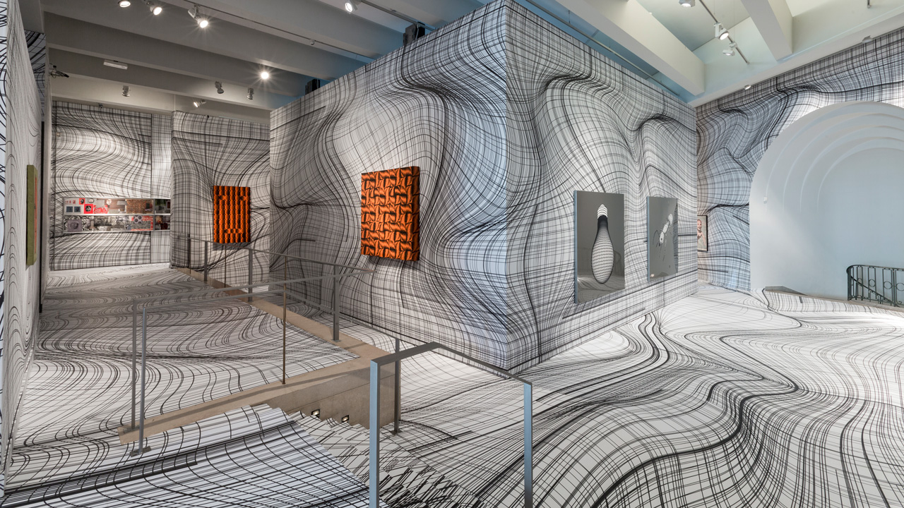 D Illusion Exhibition : Peter kogler uses optical illusions to transform museums