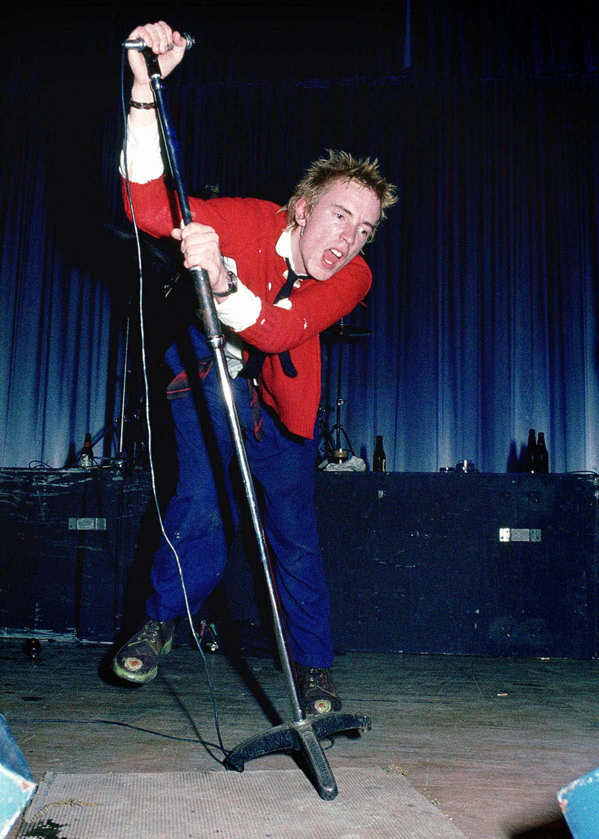 The Sex Pistols' Johnny Rotten is Not Punking Americans, He's Just Contrarian