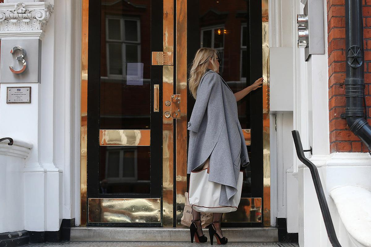 Pamela Anderson, Julian Assange: The World's Strangest Couple