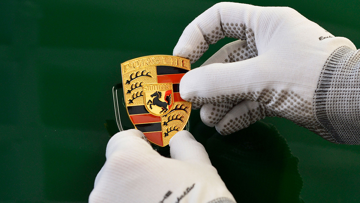 One-millionth 911 rolls of production line