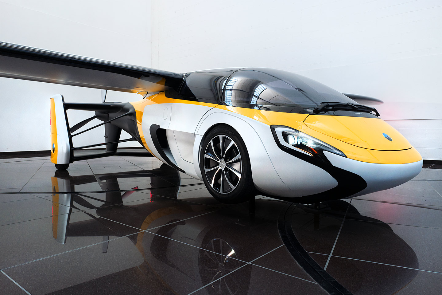 Aeromobil S Innovative Flying Car Will Swerve Above