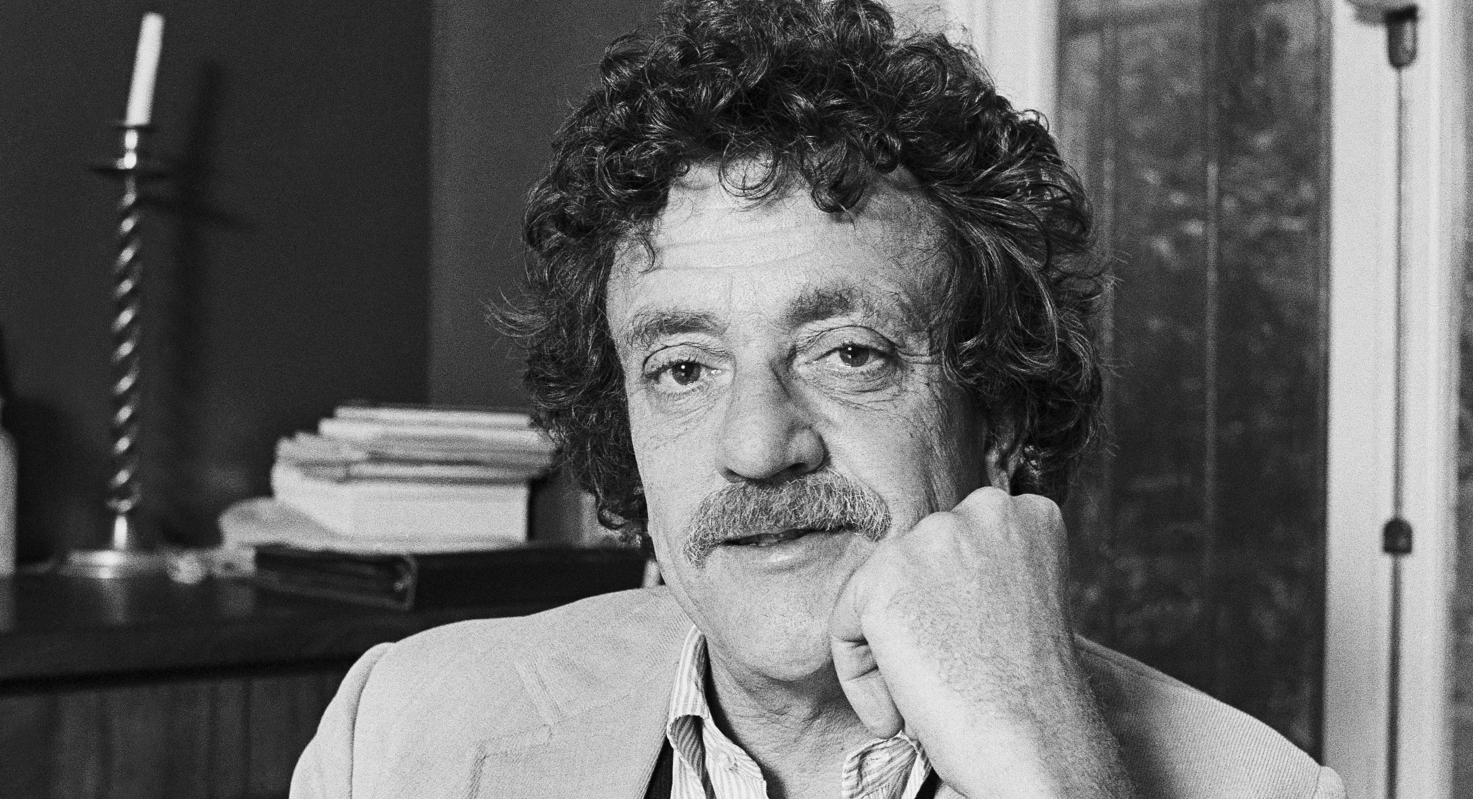 a biography of kurt vonnegut an american writer and humorist