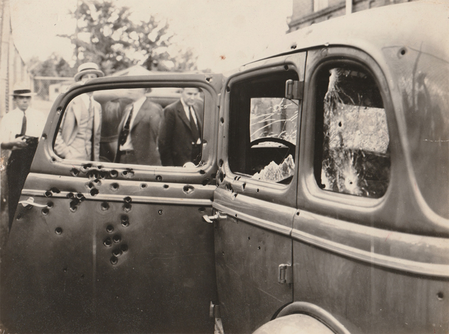 Cash For Cars Dallas >> Rare Photos of Bonnie and Clyde Show Them at the End of Their Lives