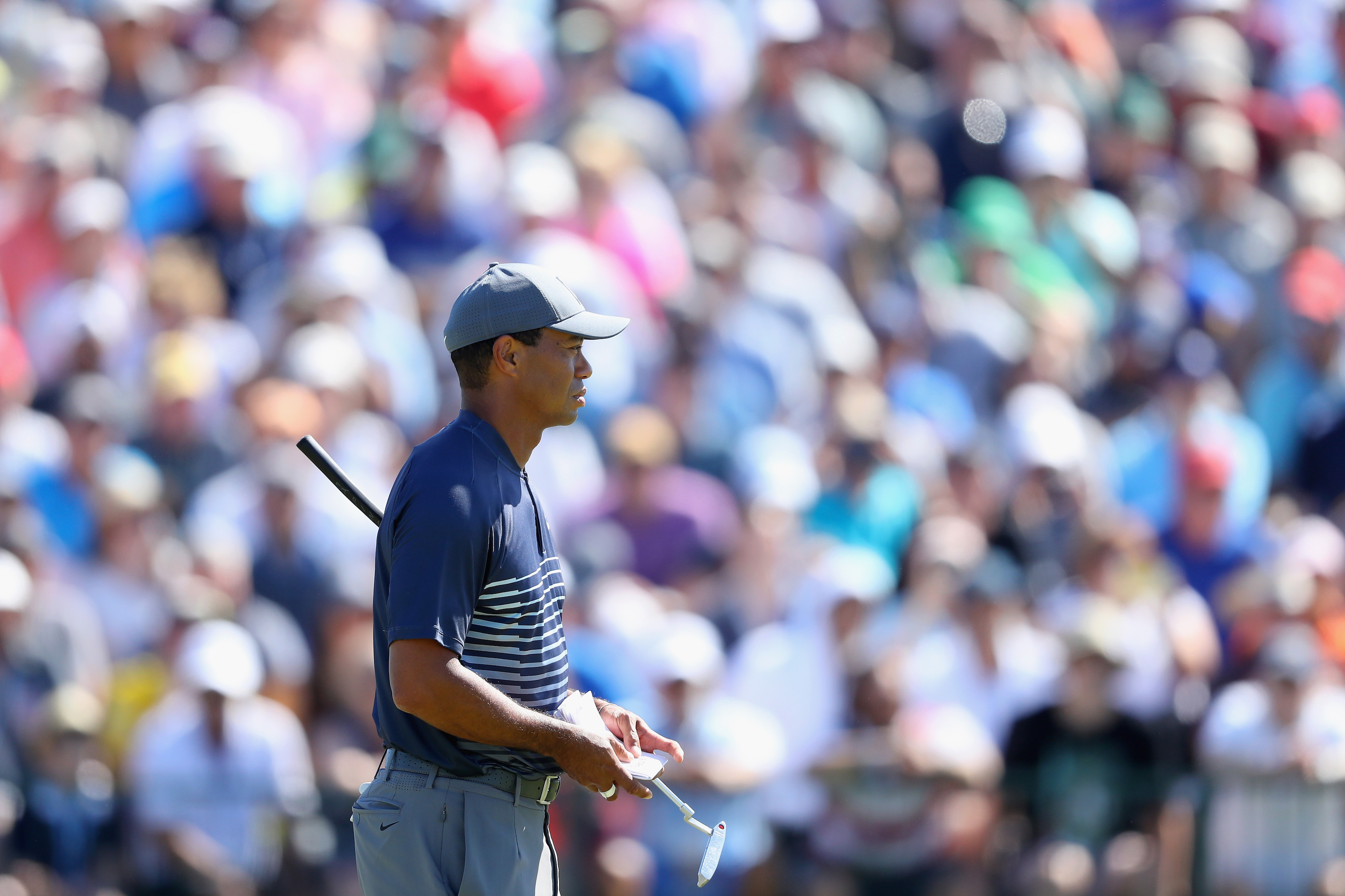 Tiger Woods Dealing With Bizarre Hecklers at the U.S. Open