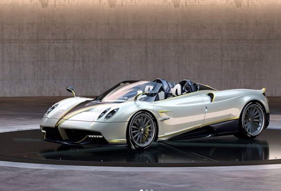 A Falcon-inspired Pagani Just Ruffled Some Feathers at Pebble Beach