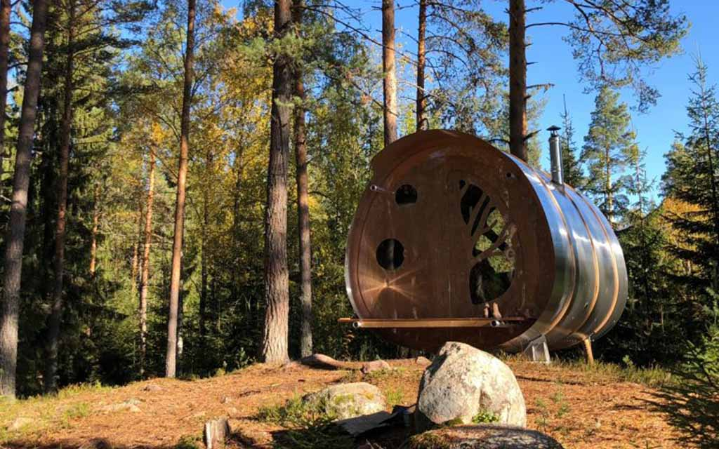 "Prefab ""Extreme Wilderness Cabin"" Is Inspired by Early Aerospace Design"